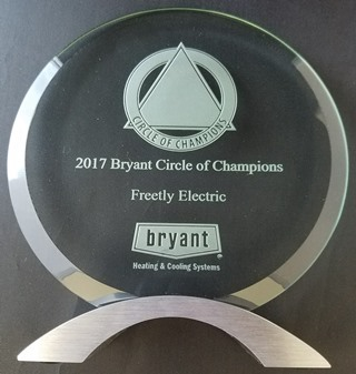 BryantCircleOfChampAward320x337